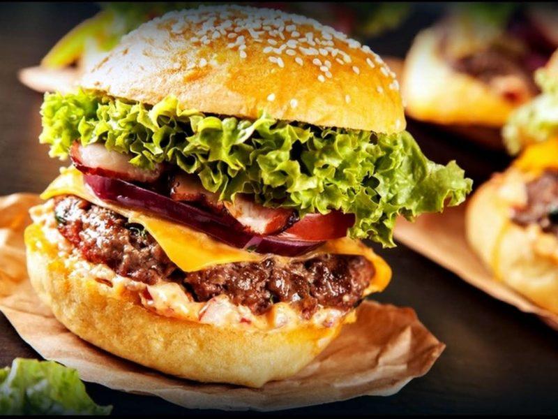 Siracha aioli burger