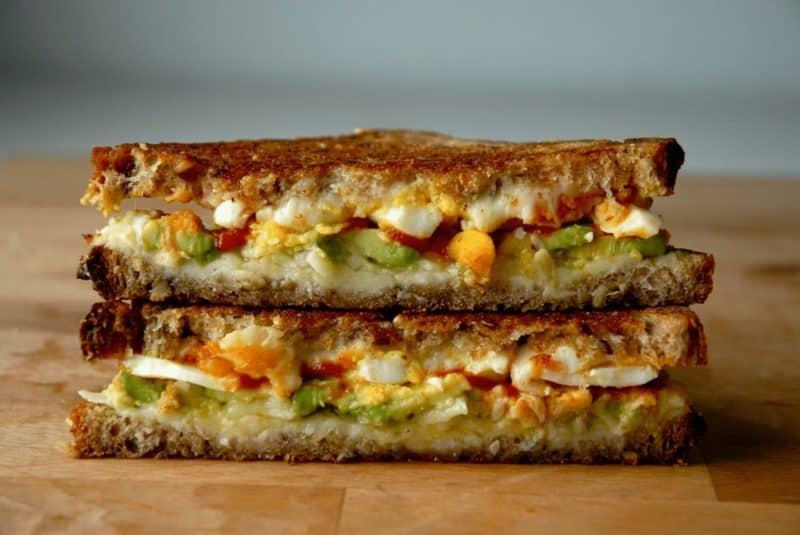 Sriracha aioli sandwich